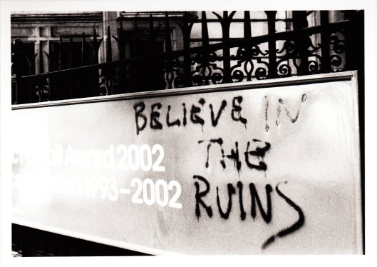 London, UK.  Original 35mm photograph ©2002 by Eric Repphun.