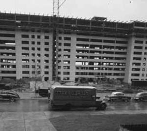 Pruitt-Igoe front-centre
